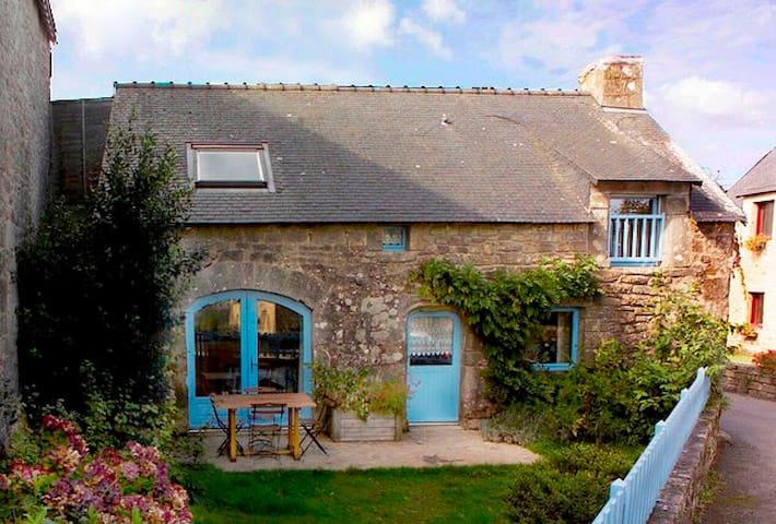 """""""La Petite Maison"""" Ploëmel"""