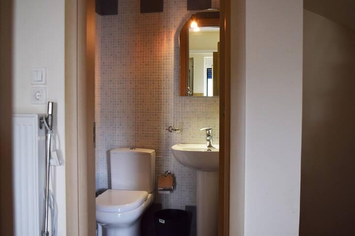 Level O: WC