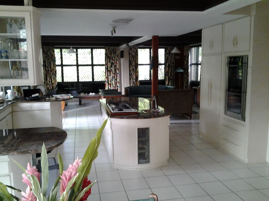 KITCHEN TOWARDS LOUNGE ROOM