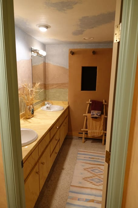 Private Jack and Jill bath - adjoining to room #2