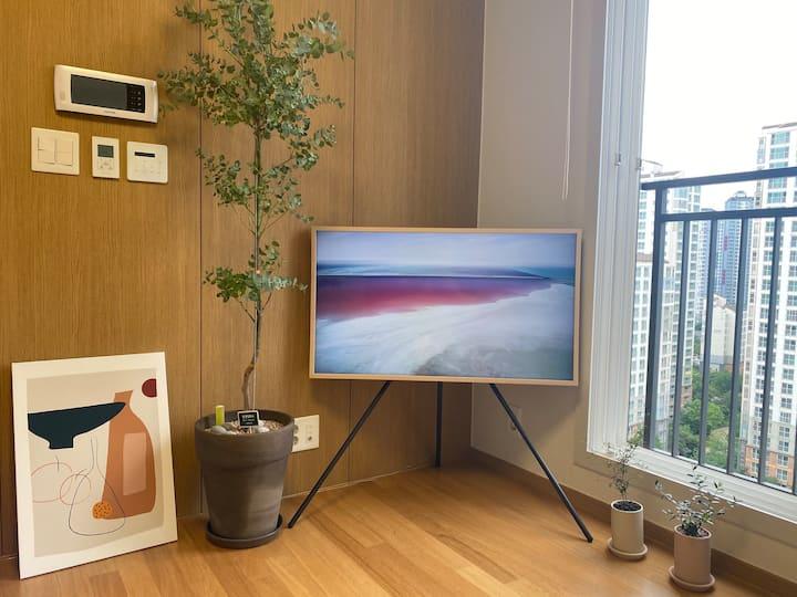 [Min's bookshelf]광교호수공원3분, Frame TV,Free Parking