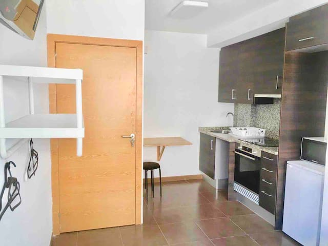 Apartment of 20m2 and private kitchen & A/C 131