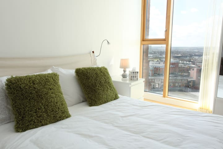 Desirable Studio with Stunning View by the Station
