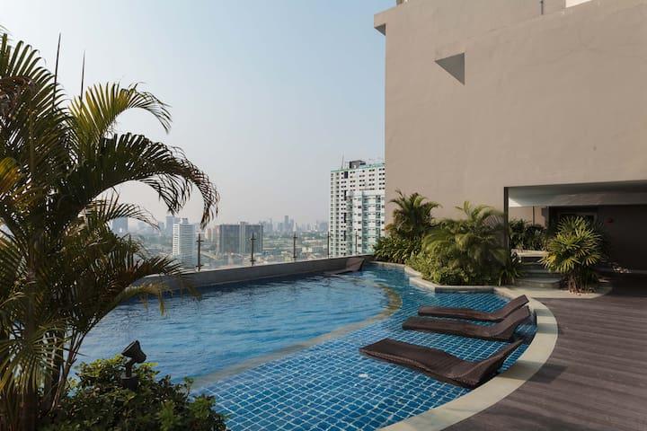 Tranquil amid the busy city - Rajathevee - Lägenhet