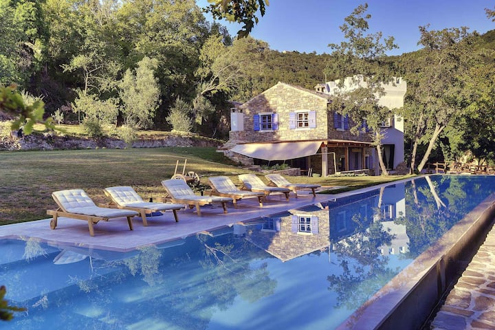 House for 6+2 pers with pool in Grožnjan R66238