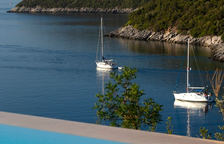 Villa Kalamos - Modern Villa in Sivota Bay with Direct Access to Sea