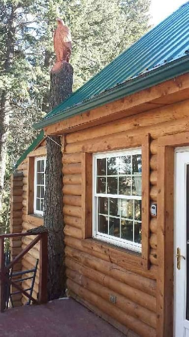 Come enjoy a peaceful getaway at The Hilltop. We are tucked away from the every day bustle of life in the city. Our mountain cabin is just a short drive to fishing, hiking, gambling, city fun, and small mountain communities.