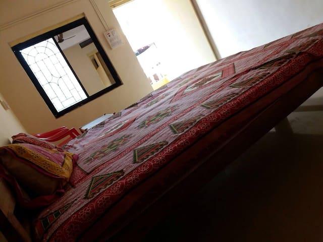 Arambol beach walkin distance(room) - Arambol - Apartment