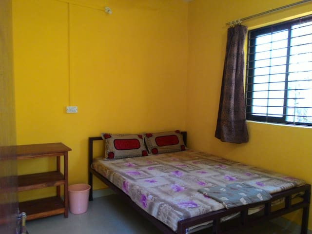 Cozy Double Room at Anjuna, Centrally located - Anjuna - Daire