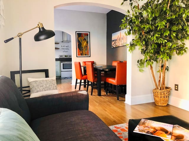 Welcome to The L @407 - Style, comfort and convenience - perfect for your Charlotte vacation or business stay