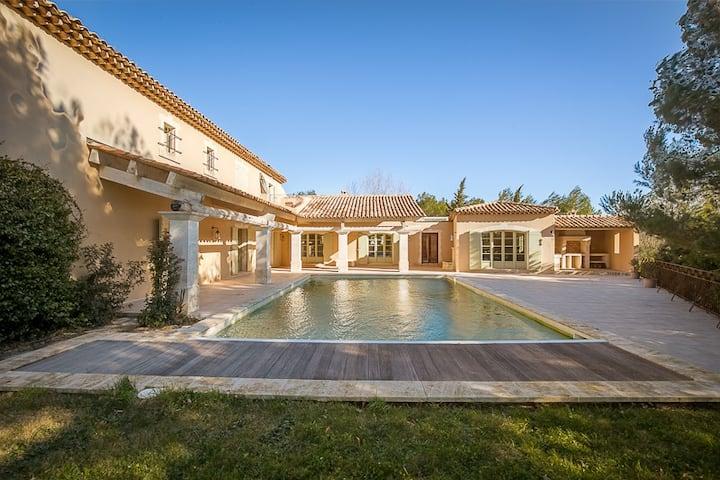 Sublime Villa 650m2 Golf Pont Royal en Provence