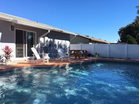 Modern, Clean Home, 5 min from Universal Studios
