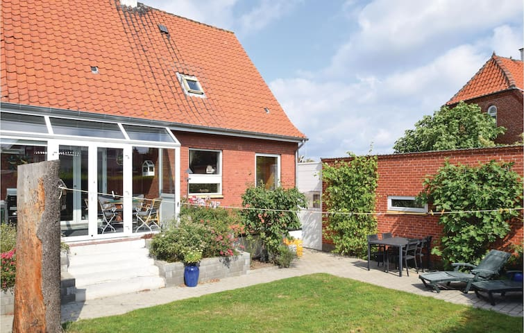 Holiday cottage with 2 bedrooms on 112m² in Rudkøbing