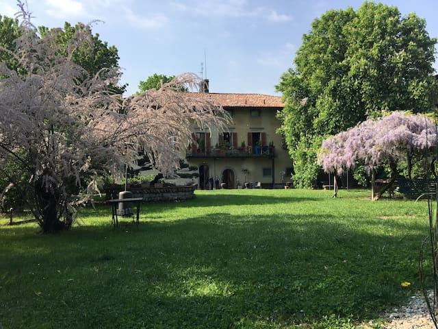 Lacasadiscorta L (8 km da Bergamo) - Almè - Apartment