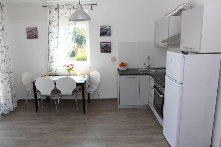 Idro Apartman 4 - Pašman - Appartement