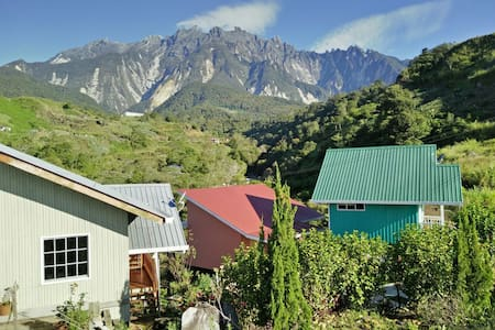 Spacious,Cozy House up to 15 Person - Kundasang - スイス式シャレー