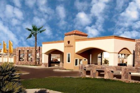 Casa amueblada, confortable con WIFI y Cable - Tijuana