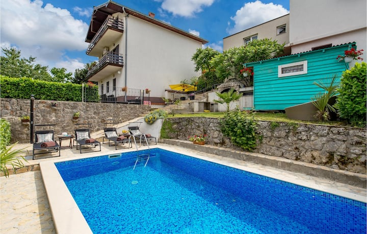 Awesome home in Rukavac with WiFi, Outdoor swimming pool and 2 Bedrooms
