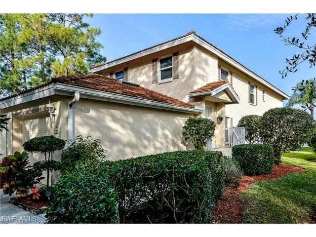 NAPLES,FL 3BD/2BA ,1st floor, LAKEVIEWS