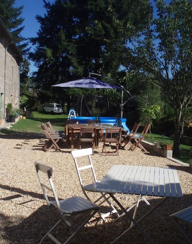 Large renovated farmhouse near the lake. - Saint-Amand-le-Petit - Casa