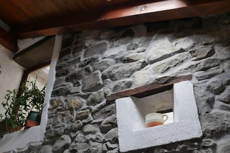 Lunigiana Cottage Ca' del Fraro - Castello - Huis