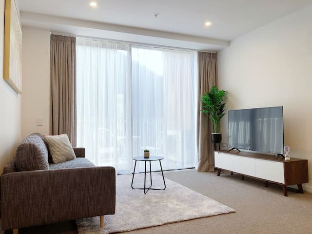 New stylish apartment in the heart of CBD