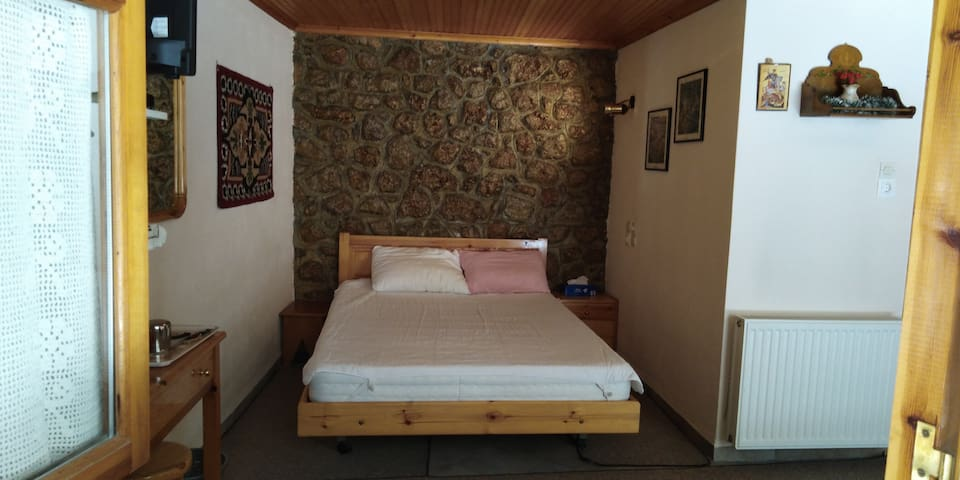 Private country style room with bath in Arachova
