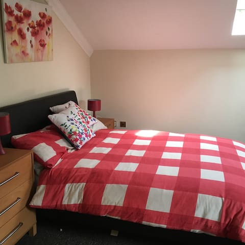 Dbl Room in Converted Barn Home - Hurworth-on-Tees - Huis