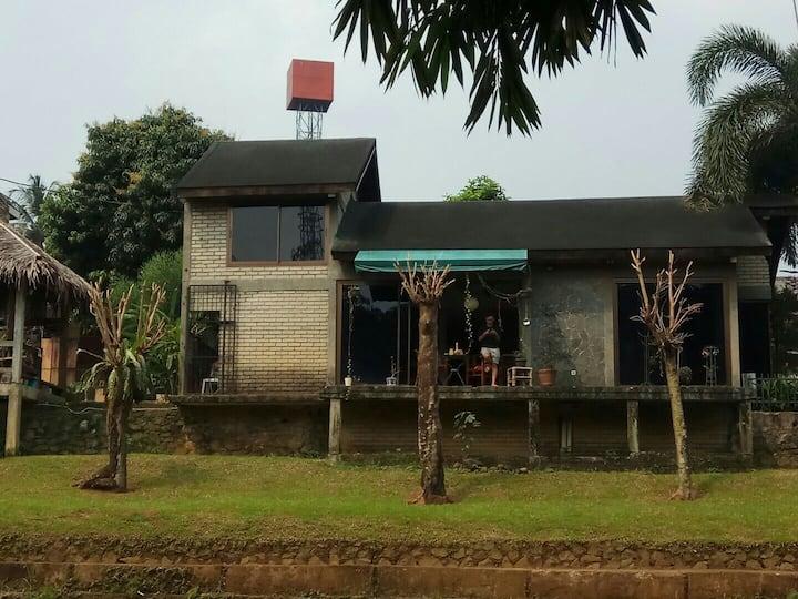 Rumah Darryl Depok, near Universitas Indonesia