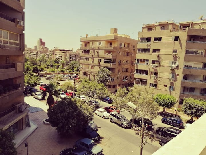[Females only] Sunny room near to Cairo Airport,