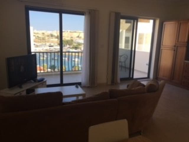 New lovely penthouse with nice seafront view