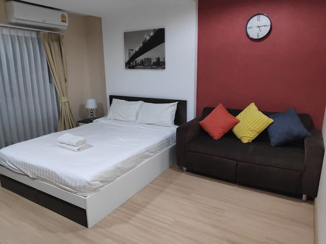 Cozy Room by YingKwan Near Central airport