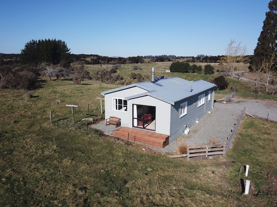 The Hunker Bunker is a comfortable homely retreat for people wishing to visit this beautiful part of the world and a genuine New Zealand experience for overseas visitors.