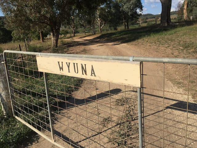 'WYUNA'  Lue farm stay in Mudgee/Rylstone region