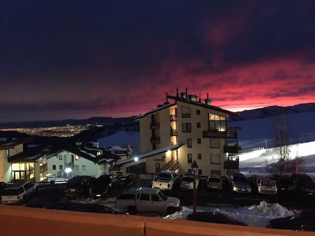Espectacular Dpto . A 30 mts de Ski