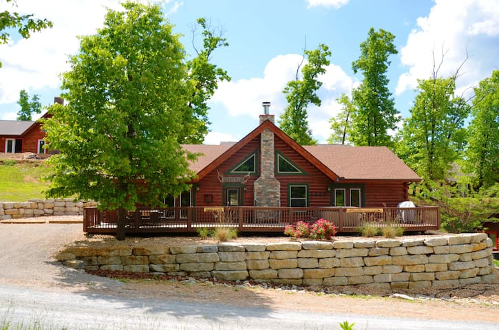 Amazing Family Cabin Experience,  HotTub, JettedTubs, Grill, Great Location, WIF - Ridgedale - Hus