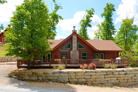 Amazing Family Cabin Experience,  HotTub, JettedTubs, Grill, Great Location, WIF - Ridgedale - Dom