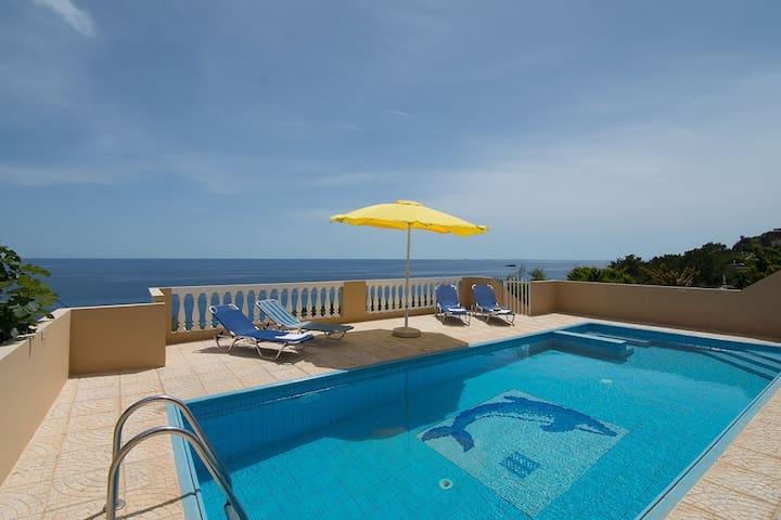 Villa,astonishing view to the sea