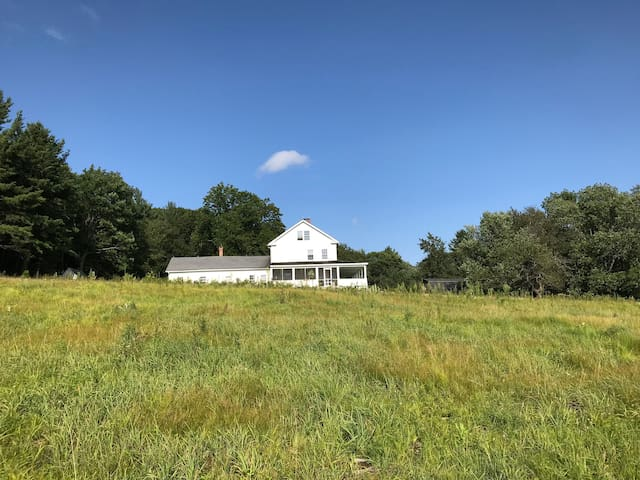 Morley Hill - 200 year old farm house on 250 acres