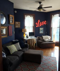 Beautiful 1BR West 7th Apartment - Apartamento