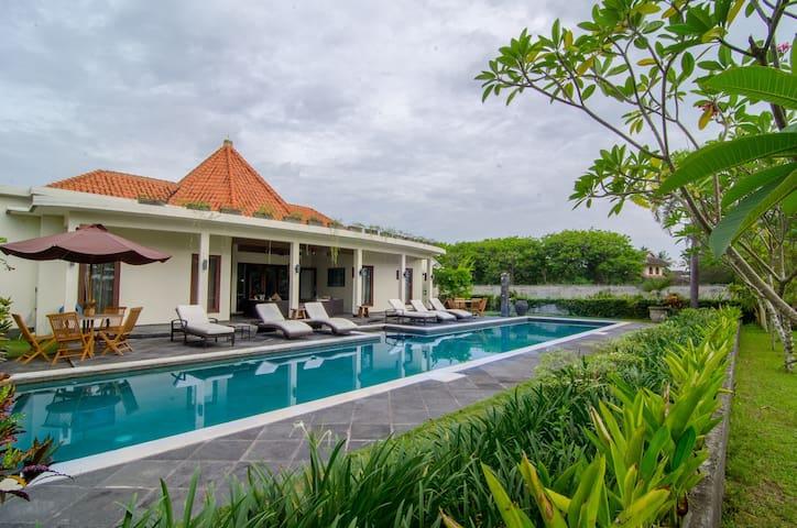 YAMARI VILLA - Senggigi Lombok