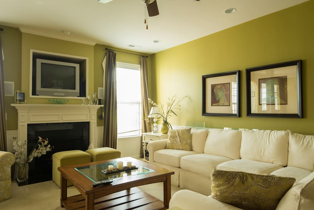 cozy well decorated home in quiet university area luxury home well decorated golden living room with beige