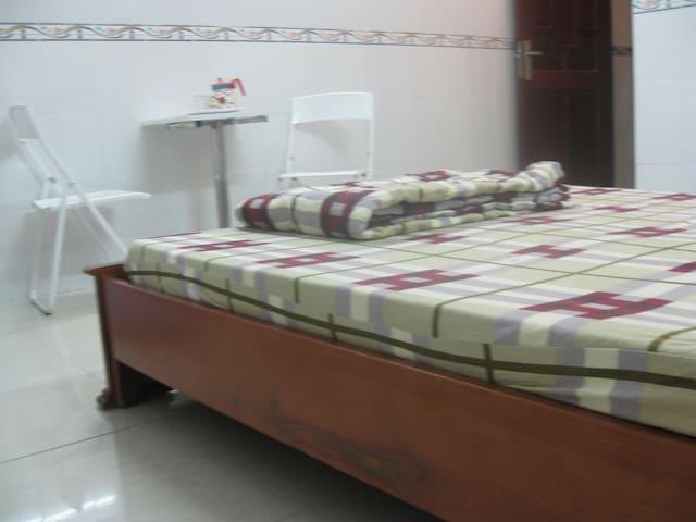 Cosy and bright room, Viet homestay - Ho Chi Minh - Rumah