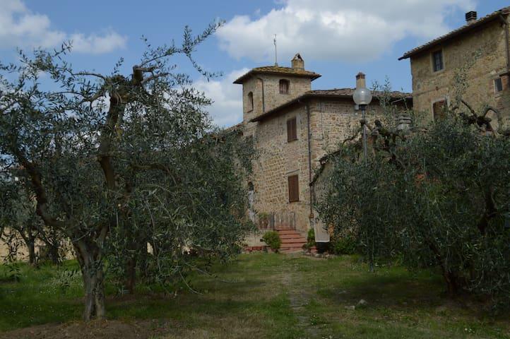 Appartamento in borgo del Chianti fiorentino