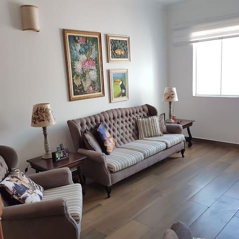 Lindo apartamento no centro, reformado! Sanificado