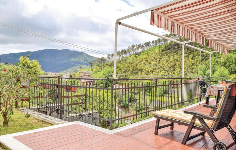 Holiday apartment with 1 bedroom on 68m² in Casarza Ligure -GE-