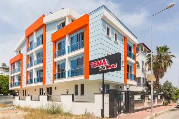 Lara'da Denize Yakın Lüx Apart Hotel (4 Kişilik)
