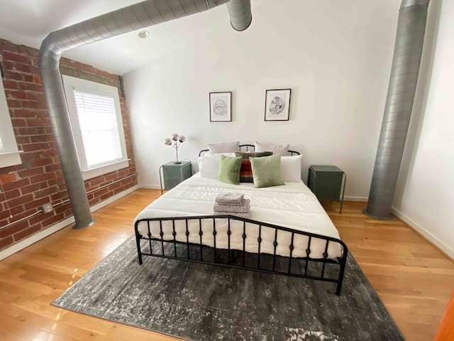 Spacious Krog Street Loft Entire loft
