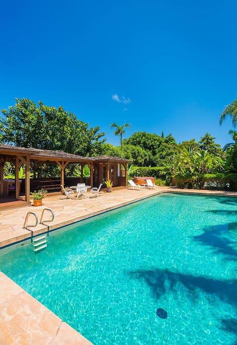 40 ft pool with pool cabana.