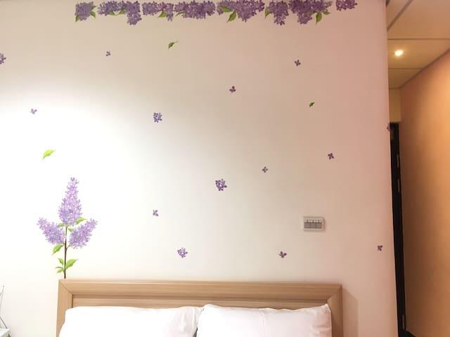 H. Fun Hotel_Fragrance of a Flower